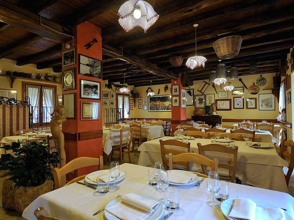 Osteria al contadin combai azienda agricola crodi for Arredamento ristorante rustico